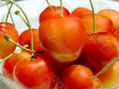 Double color cherries