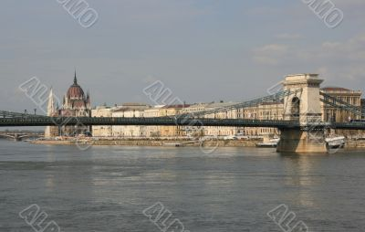 Chainbridge and the hungarian Parliament