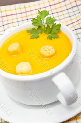 Carrots puree with bread croutons