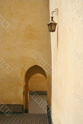 Medina wall with arc