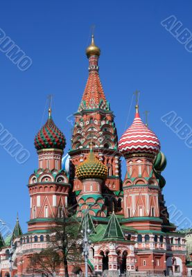 The Pokrovsky Cathedral (St. Basil`s Cathedral) on Red Square, M