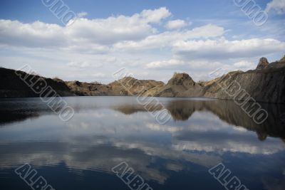 lake, sunken coal quarry