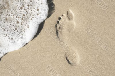 foot print with water