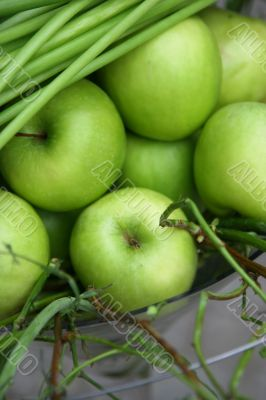 Fine juicy green apples