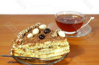 Black tea and chocolate cake