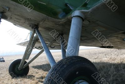 Undercarriage of airplane