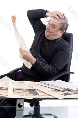 Senior read newspaper