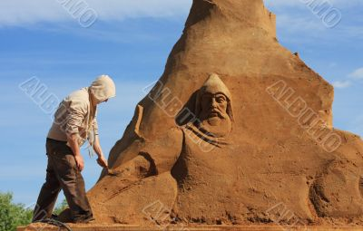 Sculpture from sand