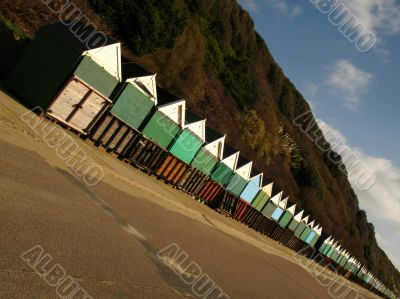 dynamic diagonal beach huts