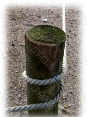 post and rope with faded edge