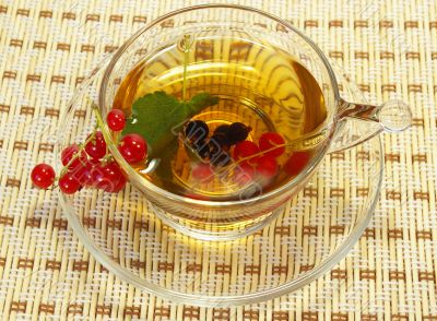 Currant and herbal tea