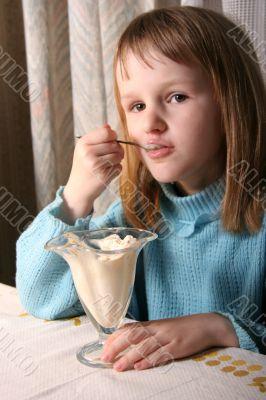 girl eat ice-cream
