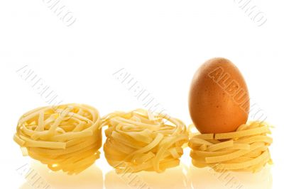 chikken egg as an ingredient of pasta