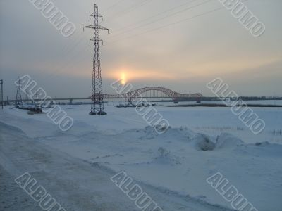The bridge `` A red sleeping dragon `` in the winter.