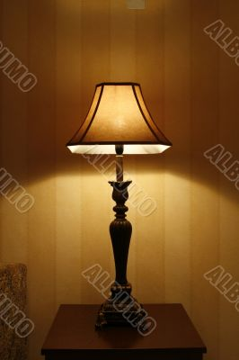 switch on table lamp