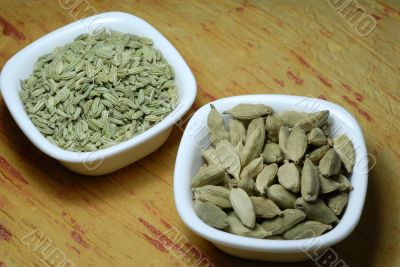 Cardamom and Fennel Seeds Dried as condiments