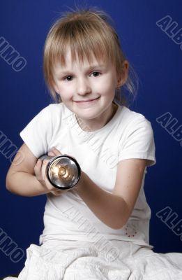 girl with flash-light