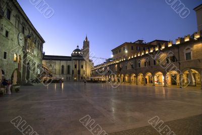 Ascoli Piceno - The main square at night