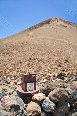 packs deposit down volcano