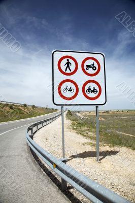 traffic limit sign
