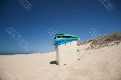 rubbish container beach