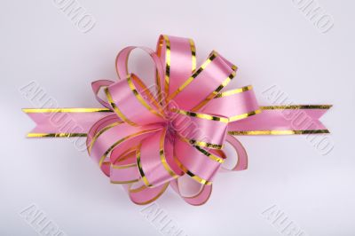 pink christmas gift ribbon and bow