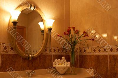 Luxurious bathroom with flowers