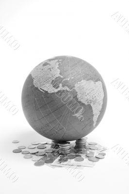 Globe, Economy