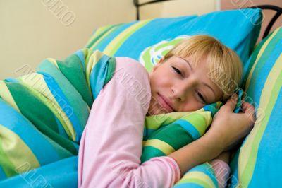 Paris Hilton look-a-like feeling sleepy