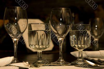 restaurant table settings glassware