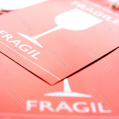 label fragile for luggage