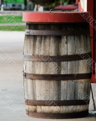Old barrel waste can