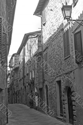 Abbadia San Salvatore - Old street in black and white