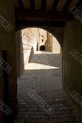 Buonconvento (Siena) - Covered street
