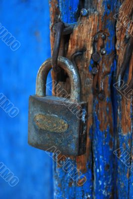 closeup key lock shot with vivid bright colors