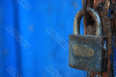 close up key lock shot with vivid bright colors