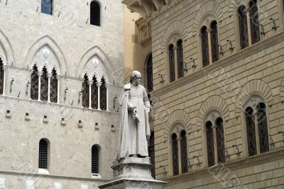Siena (Tuscany) - Statue and historic buildings