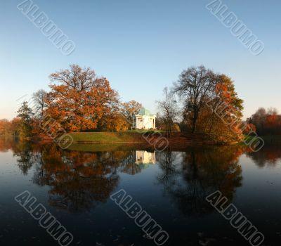 Beautiful Autumn – lake with temple
