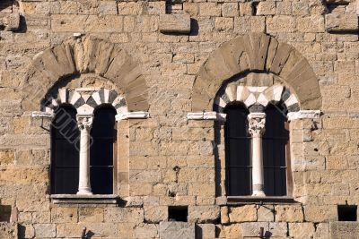 Volterra (Pisa) - Two mullioned windows