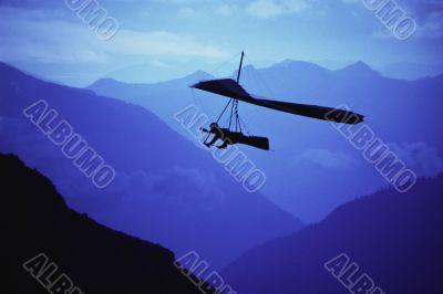 Hang glider at Dusk