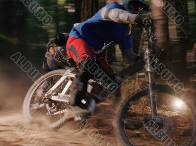Blurred Mountainbiking