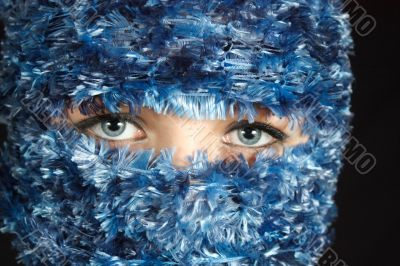 33_Blue Eyes in Blue Veil