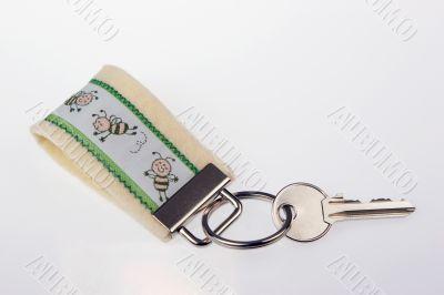 Pearl white key ring