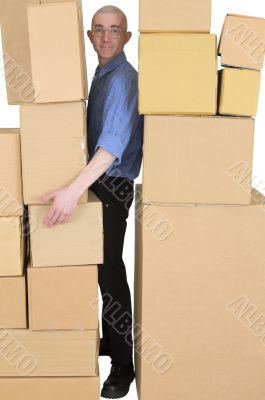 Messenger clamping between cardboard boxes