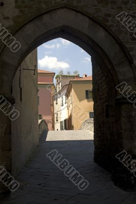 Pontremoli (Tuscany) - Ancient arch and bridge