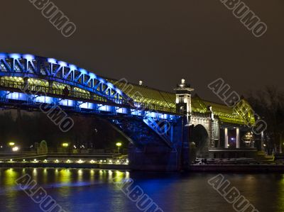 Foot bridge over the Moscow river. Night scene.