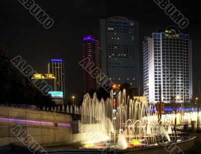 shanghai fountain by night