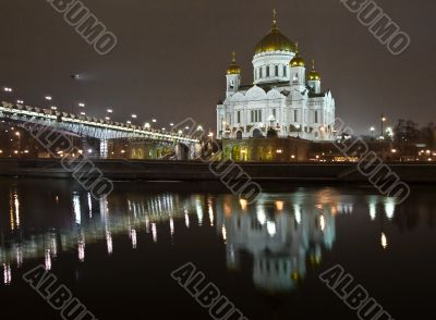 Christ the Saviour Cathedral in Moscow night view accross the ri