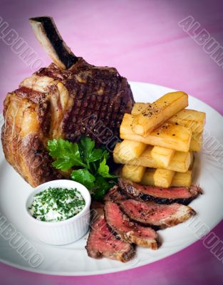 Rib of beef and chunky chips