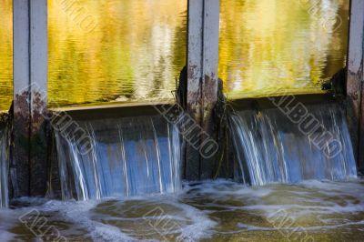 Metal dam of a reservoir